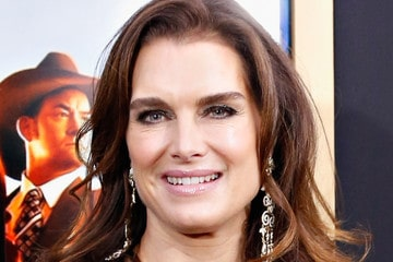 I sat next to Brooke Shields for 4 hours and had no clue who she was!